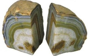 agate layered structure