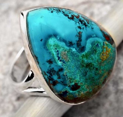 Chrysocolla healing properties, meaning and uses