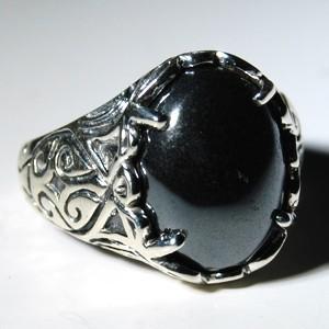 ring with hematite