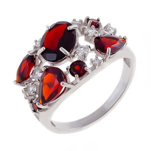 ring with almandine